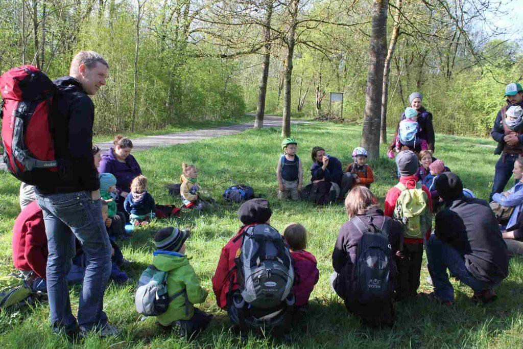 Bringkreis der Waldspielgruppe des eigenaktiv e.V.